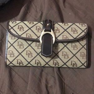 D&B wallet